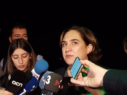 """Ada Colau diu que Cs i Valls """"van a haver d'aclarir-se"""" sobre pactar amb Vox"""