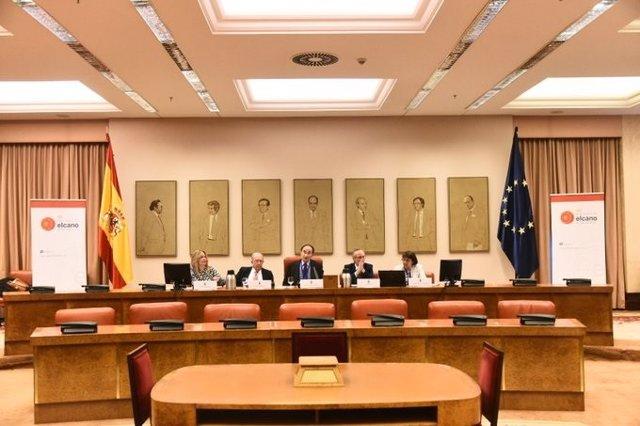 Presentación del Barómetro Real Instituto Elcano-40 aniversario Constitución