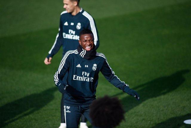 Entrenamiento del Real Madrid previo al partido con el Valencia Club de Fútbol