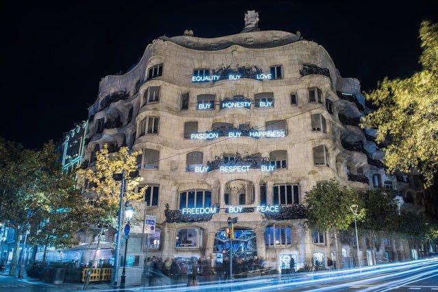 Iluminación de La Pedrera por Navidad 2018