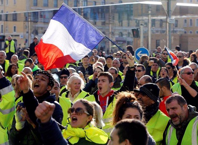 """Manifestación de los """"chalecos amarillos"""" en Marsella"""