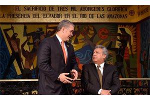 Moreno y Duque cantan a dúo 'Caminante no hay camino' durante una reunión binacional