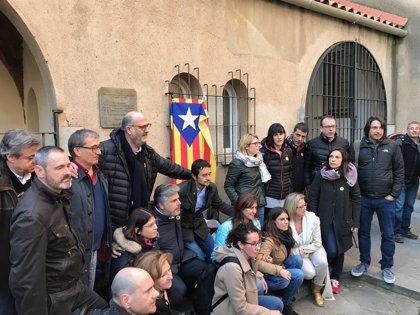 """JxCat y ERC critican una Constitución """"que recorta derechos"""" y se solidarizan con los presos"""