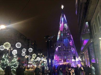 La iluminación de Navidad de Vigo llena sus hoteles