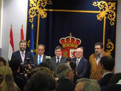 """Pérez Sáenz aboga por """"retomar el espíritu"""" de Constitución y apunta como necesarias """"reformas con el acuerdo de todos"""""""