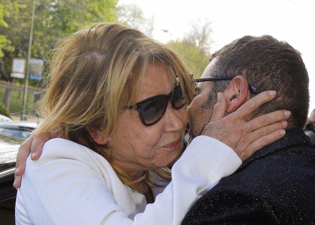 Mila Ximénez llora por la entrevista a Carmen Borrego Campos