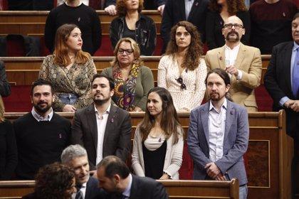 """Pablo Iglesias critica el discurso """"decepcionante"""" del Rey y la ovación """"sobreactuada"""" a Juan Carlos I"""