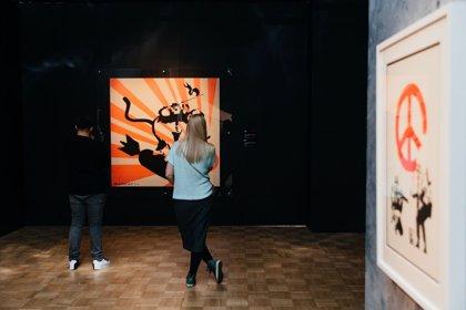 """'Bansky. Genius or vandal?' recorre el """"controvertido"""" universo del artista a través de más de 70 creaciones"""
