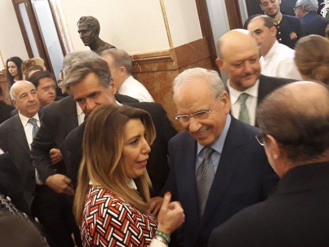 Susana Díaz saluda a Alfonso Guerra