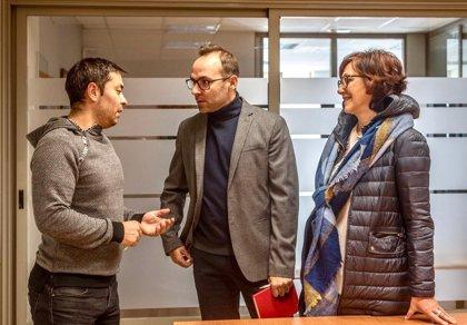 PSOE aborda con UGT y CCOO recuperar el polígono La Vega