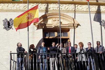"""El PSOE de Ayamonte (Huelva) acusa al PP de usar el Ayuntamiento para un """"acto de partido"""" con Juanma Moreno"""