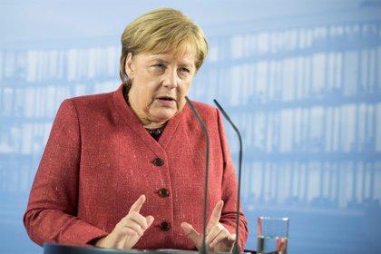 Merkel se despide de su cargo en la CDU antes de la votación de sucesión de este viernes