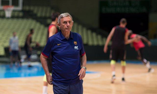 El técnico del Barça Lassa, Svetislav Pesic