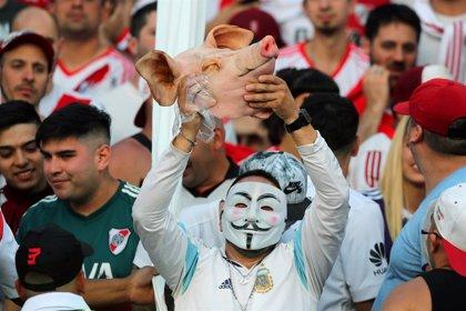 """Policía estima que pueden llegar entre 400 y 500 hinchas """"especialmente violentos"""" para la final de la Copa Libertadores"""