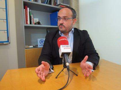 """Alejandro Fernández (PP): """"Un conseller que no defensa els Mossos no pot seguir en el càrrec"""""""