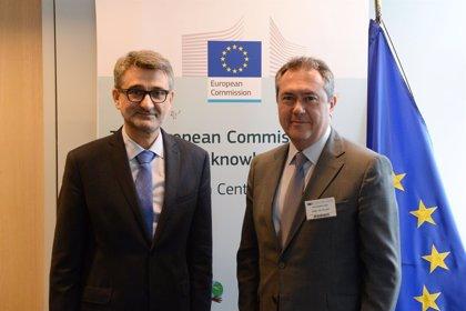 El alcalde de Sevilla firma un acuerdo con la Comisión Europea para que construya en Cartuja un centro de investigación