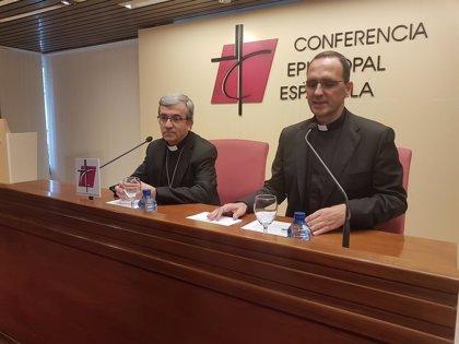 """El secretario general de los obispos asegura que le """"preocupa"""" el escenario con VOX y las protestas contra el partido"""
