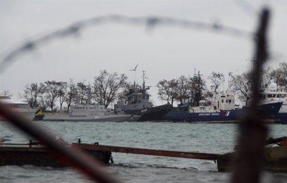 Lavrov afirma que los marineros ucranianos arrestados deberán ir a juicio antes de discutir su situación