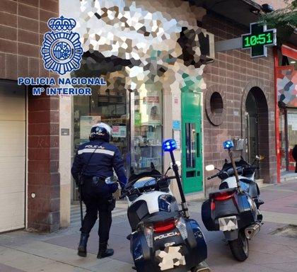 Detenido un atracador momentos después de asaltar dos farmacias en Murcia