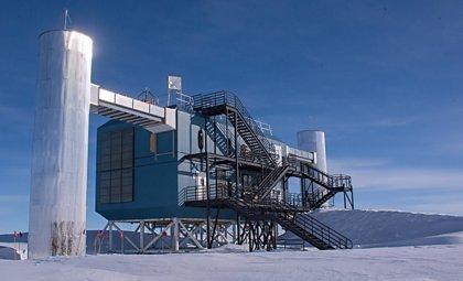 Se capta una señal asociada a los neutrinos detectados en el Polo Sur