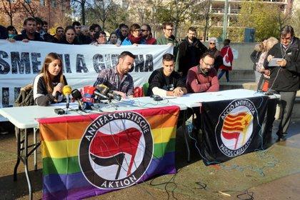 """La Plataforma Antifeixista denuncia que l'actuació dels Mossos a Girona va ser un """"acte de tortura retransmès en directe"""""""