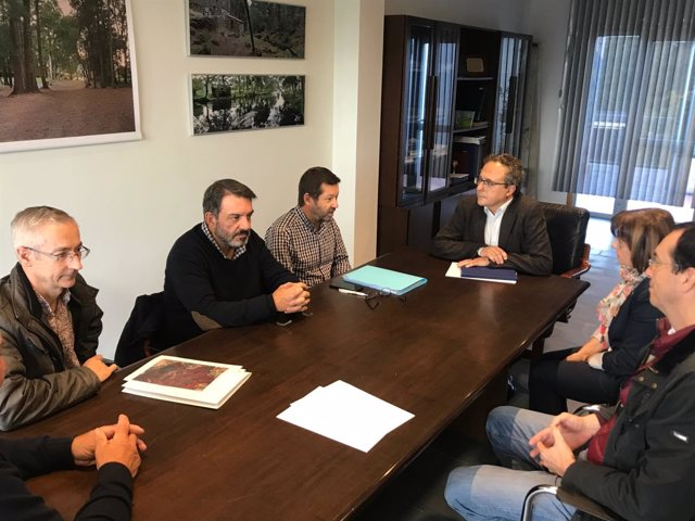 Reunión de Pérez Dubois en el ayuntamiento de O Rosal.