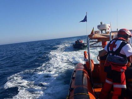 Rescatadas 24 personas a bordo de dos pateras frente a las costas de Torrevieja