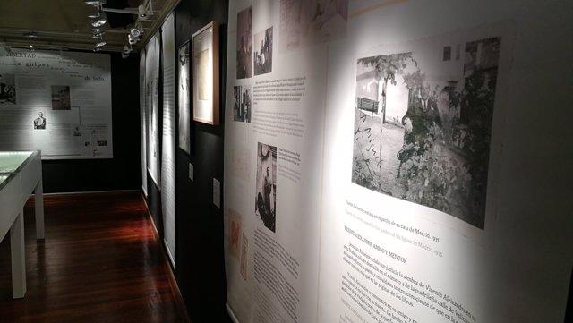 La exposición 'Miguel Hernández, a plena luz' en Manchester.