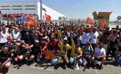 Sindicatos de Amazon estiman en un 90% el seguimiento de la huelga, mientras que la empresa dice que trabaja la mayoría