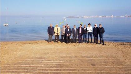 El Mar Menor estrena cuatro puntos de acceso para embarcaciones de recreo con el fin de eliminar los fondeos irregulares