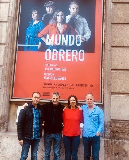 'Mundo Obrero' reflexiona en el Principal de València sobre la lucha por el amor y las dificultades diarias