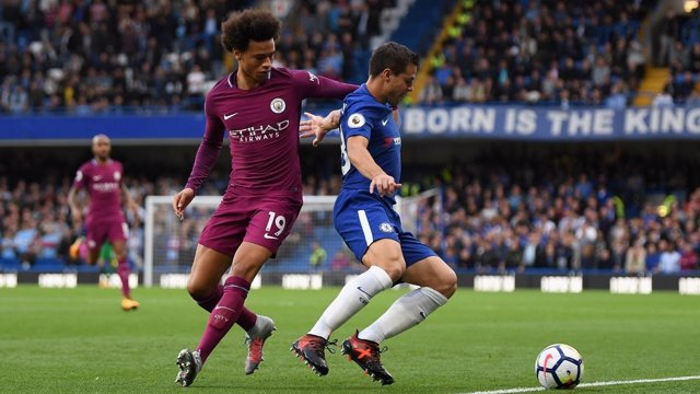 Azpilicueta (Chelsea) y Leroy Sane (Manchester City)