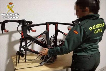 Cuatro detenidos en Torrevieja acusados del robo de un centenar bicicletas