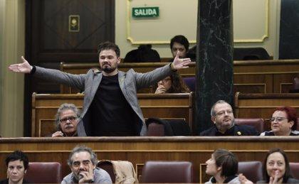 Rufián torna a la sessió de control després de la seva expulsió
