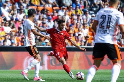 Un Valencia necesitado recibe a un Sevilla quiere seguir el ritmo del liderato