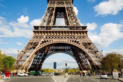 La Torre Eiffel, el Louvre i l'Òpera de París tancaran aquest dissabte davant del risc de disturbis