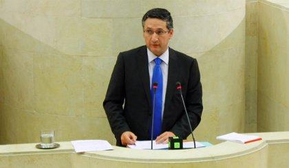 El exdiputado del PP Carlos Bedia se afilia a Vox