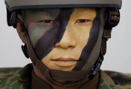 """Japón aumentará su gasto militar para hacer frente a las crecientes """"amenazas a su seguridad"""""""