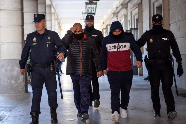 Dos de los siete acusados del triple crimen de Dos Hermanas
