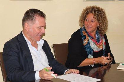 Marín (PP) propone a constructores buscar fórmulas que acorten trámites de inicio de obras del Ayuntamiento de Huelva