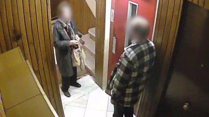 A presó un home que assaltava gent gran quan entrava al portal de casa seva a Barcelona