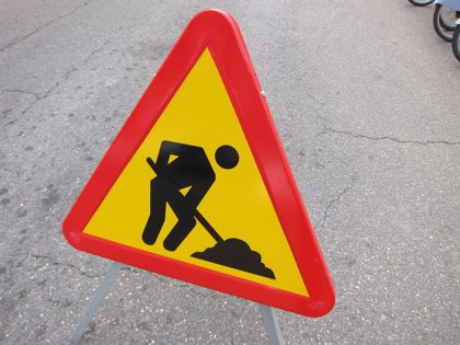 Continúan las obras de mejora de la accesibilidad en la calle Santo Dominguito de Val