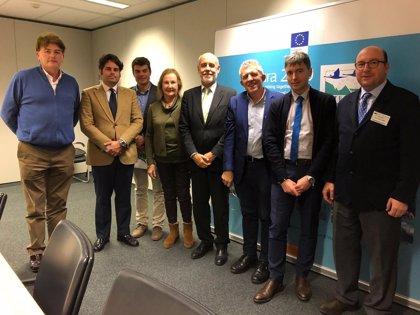 """Asaja Córdoba traslada en Bruselas a la Comisión Europea """"la problemática"""" del lobo"""