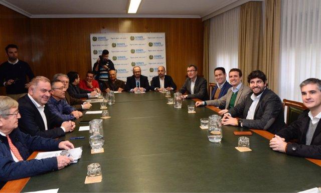 López Miras y Casado en la reunión con los miembros de SCRATS