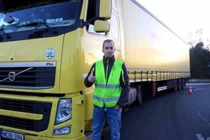 """Un transportista hongarès afectat pels Armilles Grogues: """"Espero que se'n surtin i guanyin el pols amb Macron"""""""