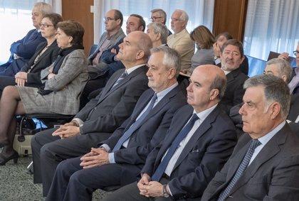 El juicio de los ERE encara un año después su última semana con el informe de las defensas de Griñán, Zarrías y Viera