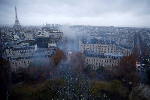 """París tras las las violentas protestas de los """"chalecos amarillos"""""""