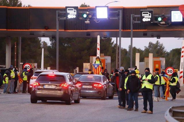 CDR levantan barreras de peaje en Catalunya