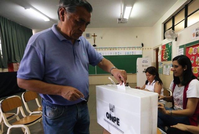 Votación en Perú