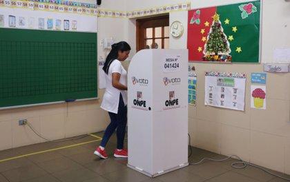 Perú aprueba en referéndum acabar con la reelección de parlamentarios y rechaza la bicameralidad